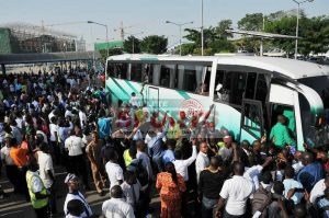 golden-eaglets-bus