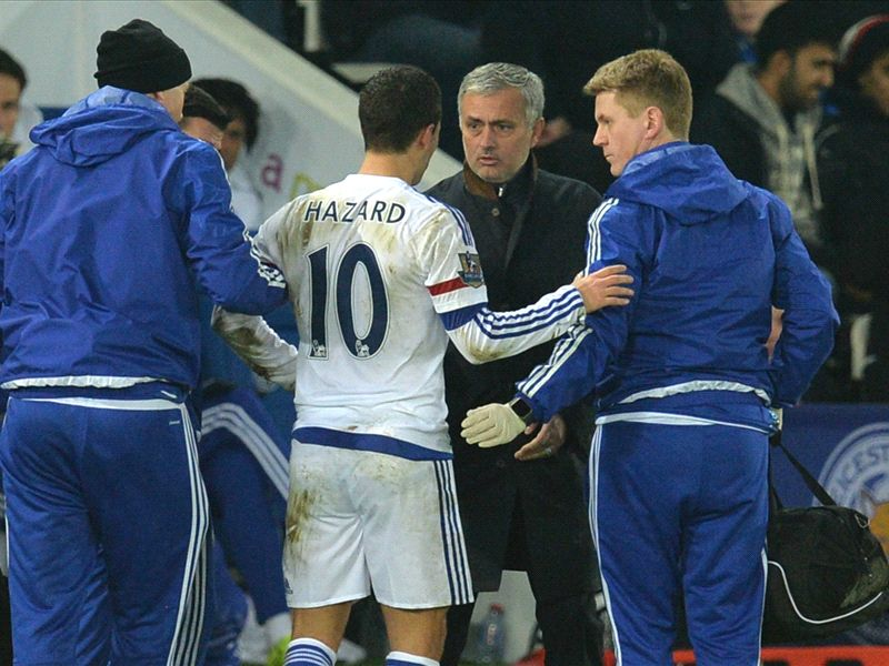 Mourinho Blames Chelsea Players For Leicester Defeat, Gives Up On Top Four