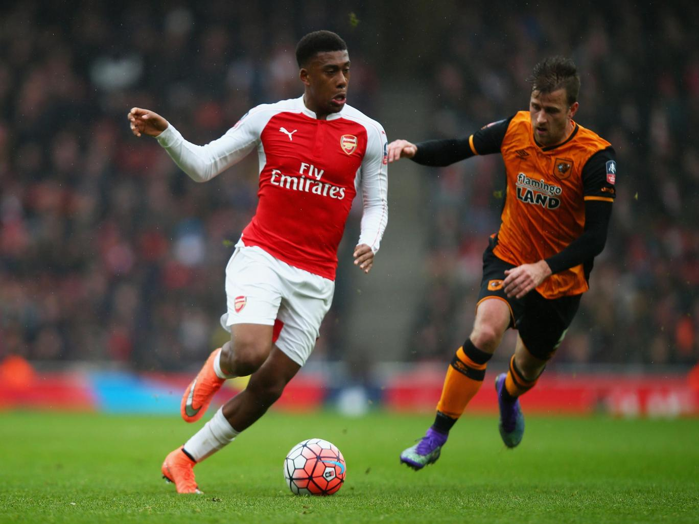 "Arsenal Fans Rate ""Elite Baller"" Iwobi High Vs Hull"