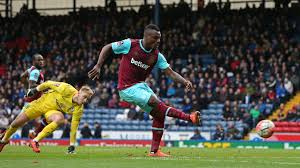 Emenike: West Ham Can Beat United, Win FA Cup