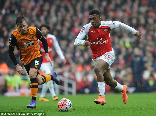 Arsenal Fans Thrilled By Iwobi's FA Cup Showing Against Hull