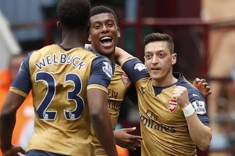 """Ozil """"Amazed"""" By Iwobi's Arsenal Progress"""
