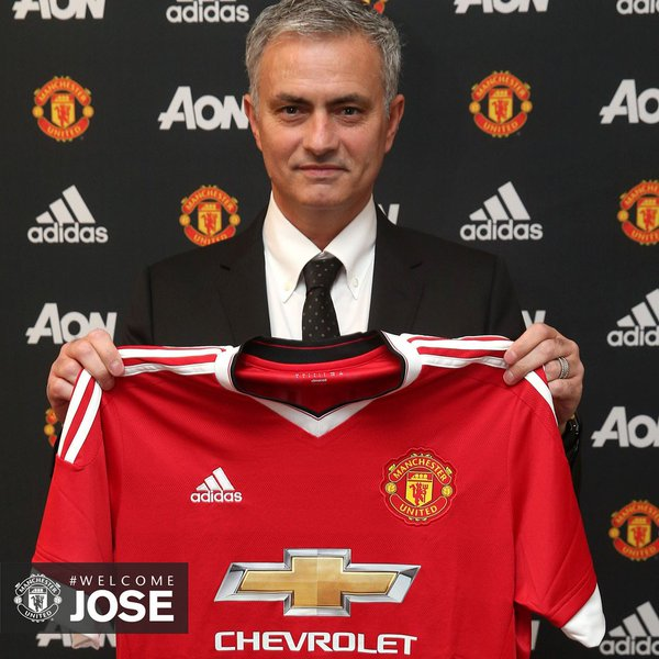 Sexy United! Mourinho Officially Unveiled, Excitedly Labels Man United Romantic Club