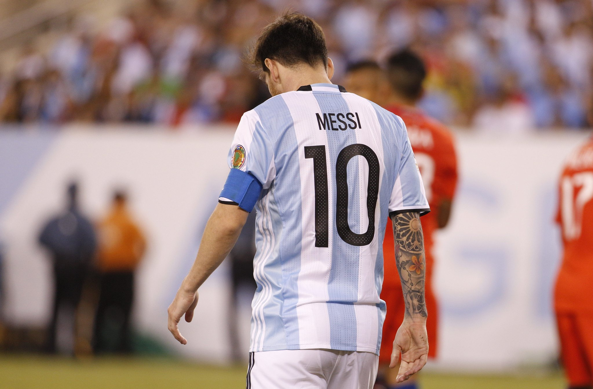 DON'T WALK AWAY: Argentina President, People Beg Messi