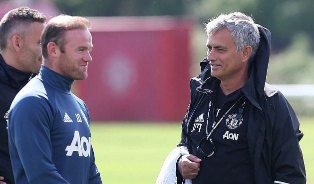 Mourinho Targets Premier League Title, Praises Loaned Januzaj