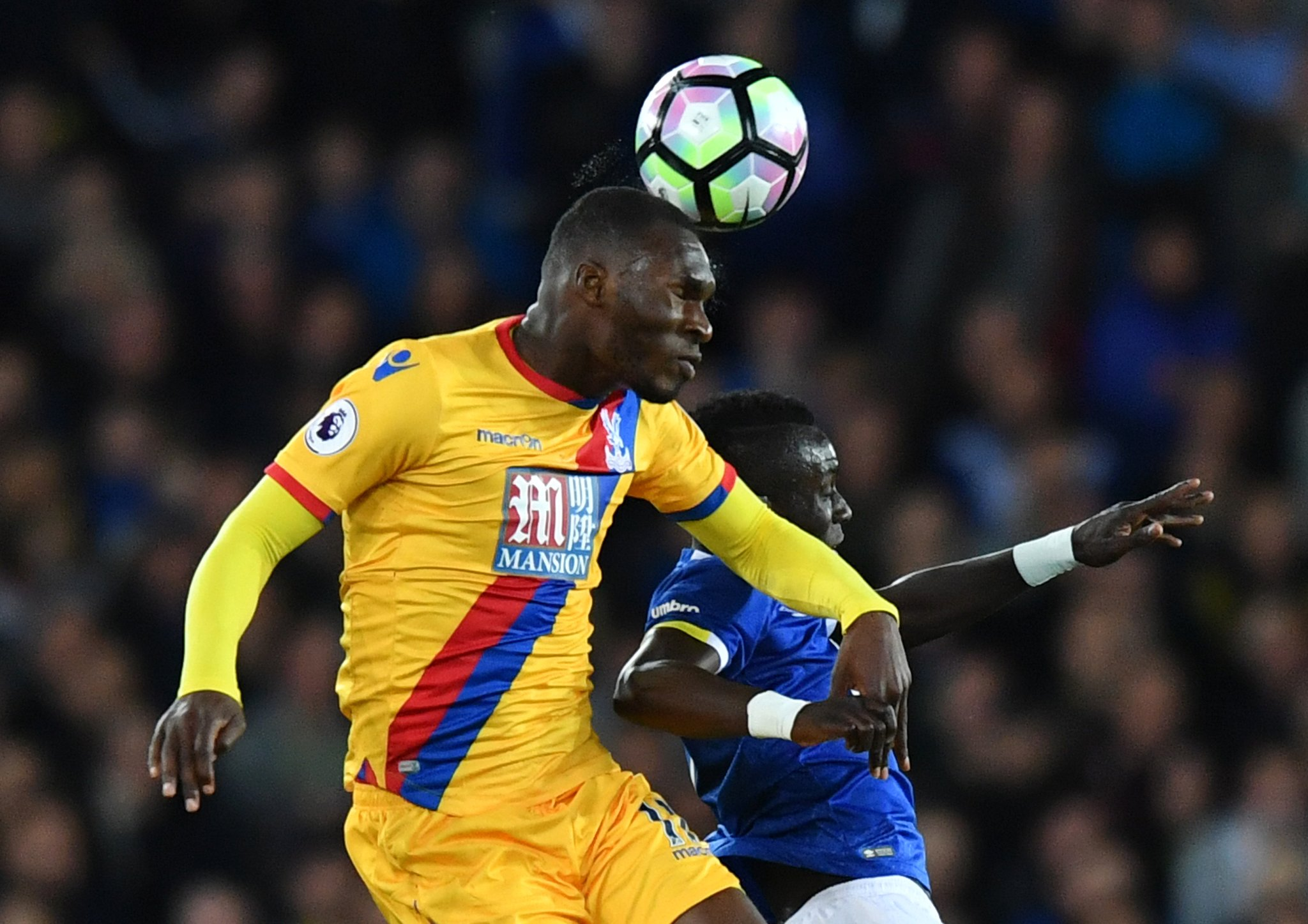 Lukaku, Benteke Score As Palace Hold Everton