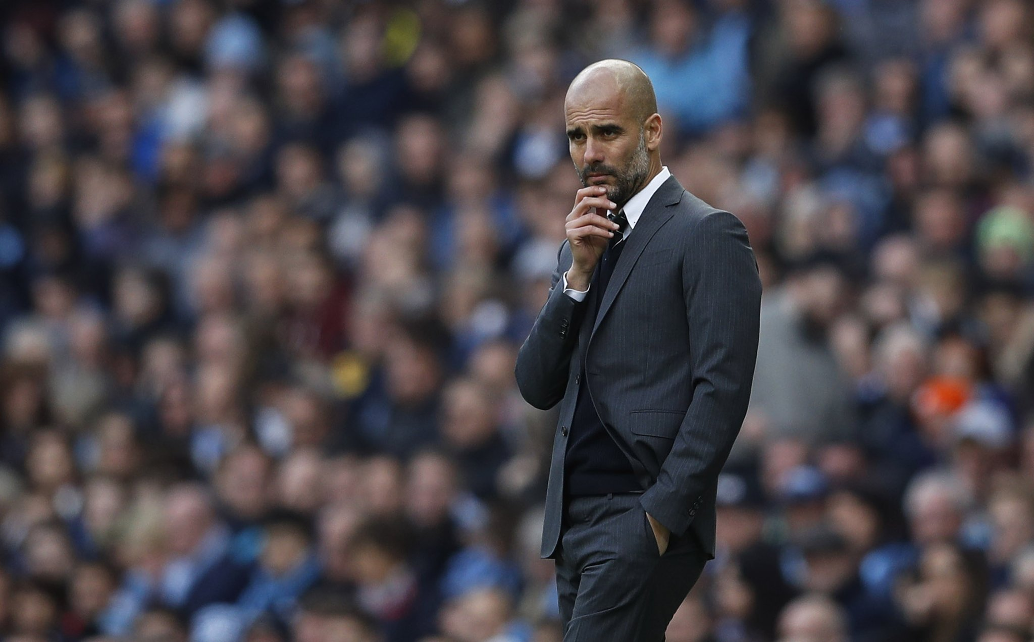 Guardiola Dismisses Reports Linking Sanchez To Man City
