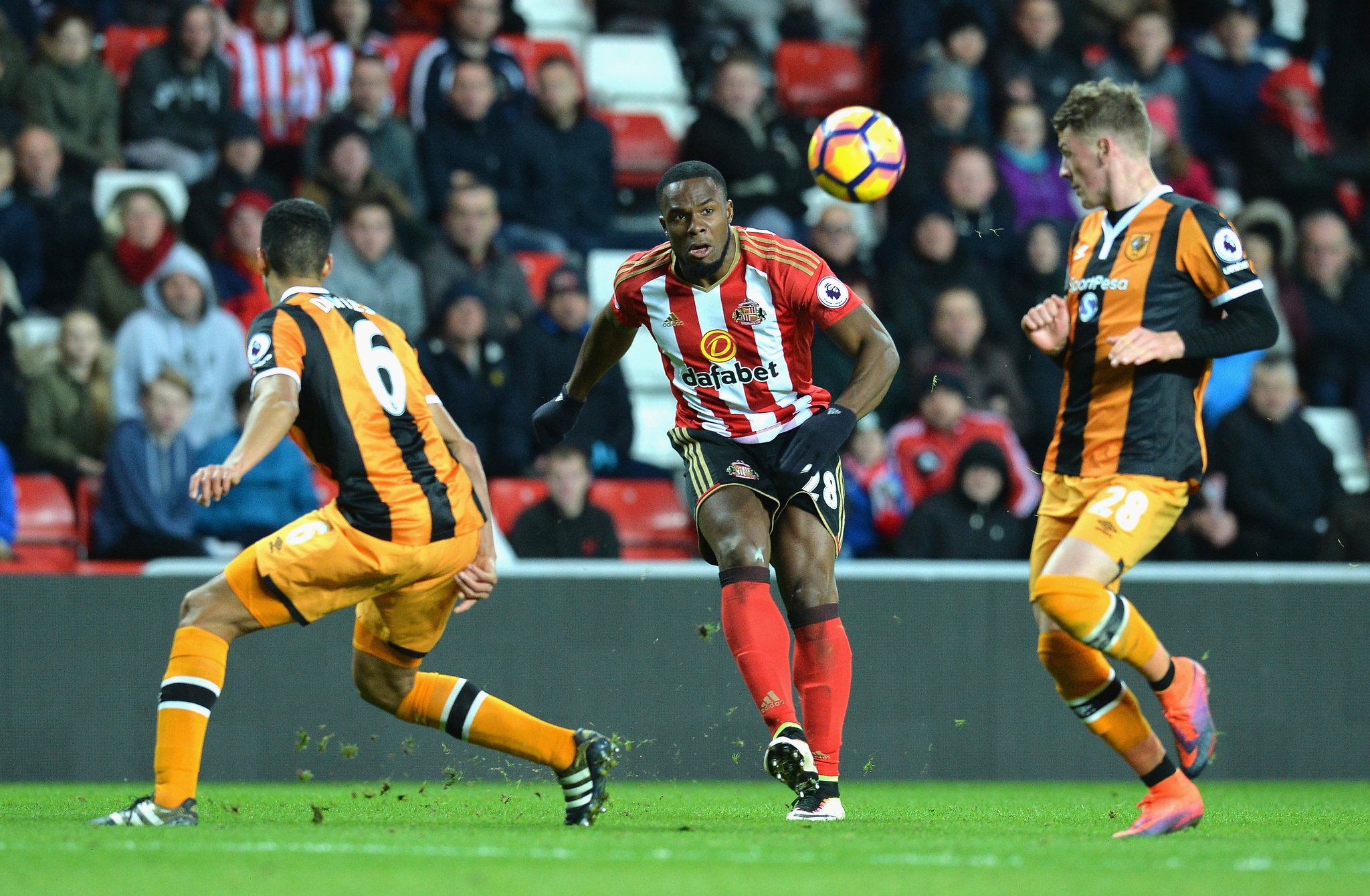"Redknapp: ""Battering Ram"" Anichebe Has Transformed Sunderland"