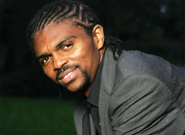Kanu Canvasses Support for Eagles Against Algeria