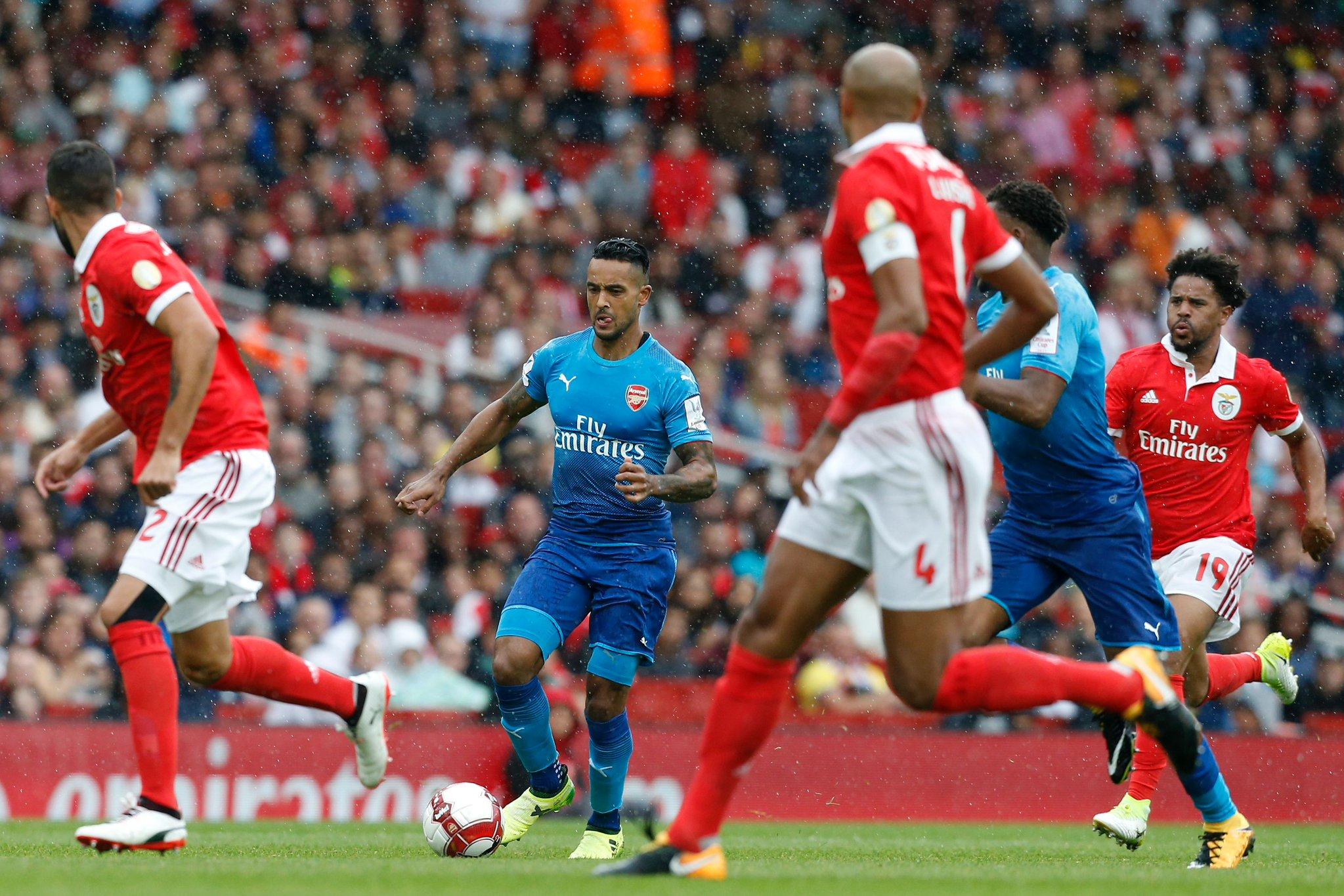 Emirates Cup: Iwobi, Walcott, Giroud Score As Arsenal Thrash Benfica