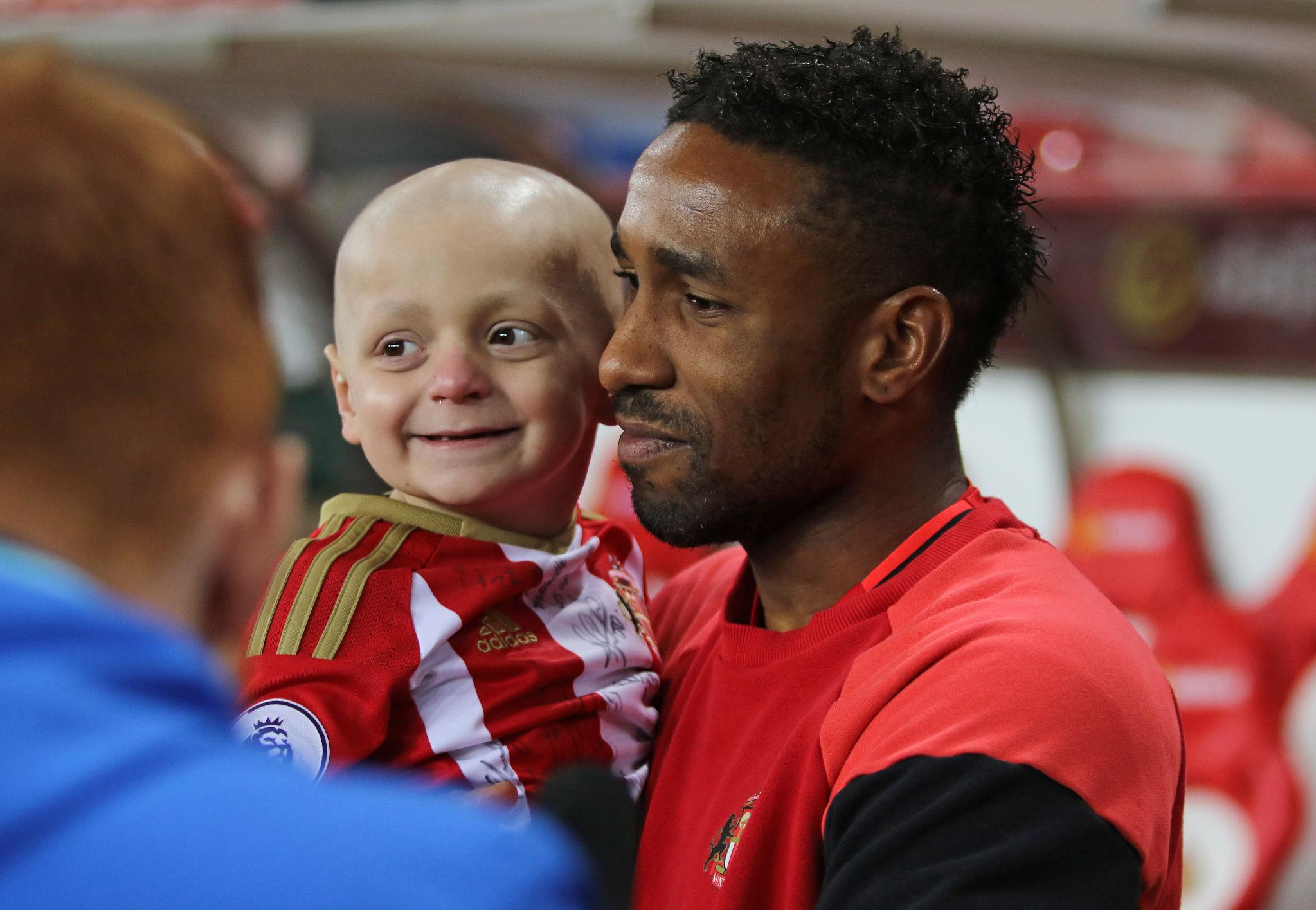 Sunderland Mascot Bradley Lowery, 6, Dies Of Cancer