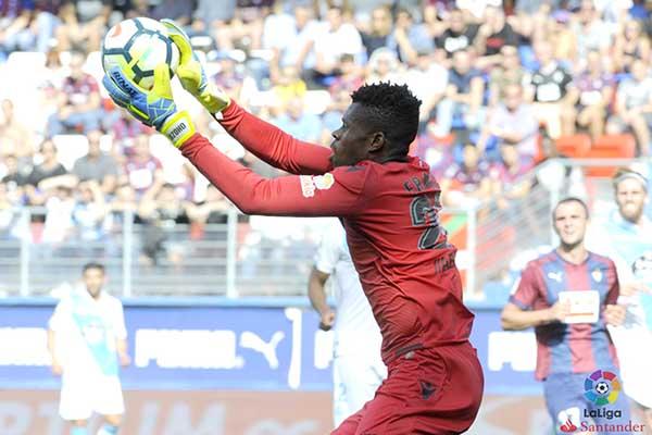 Amuneke Backs Teenage Deportivo Goalkeeper Uzoho For World Cup Spot