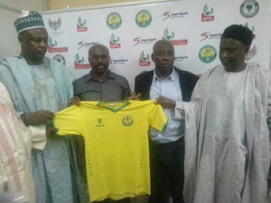 El-Kanemi Warriors Unveil Amakapabo As New Coach