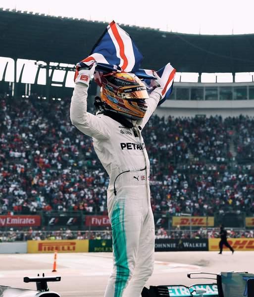 Hamilton Wins Fourth Formula One World Title Despite Mexico Struggle