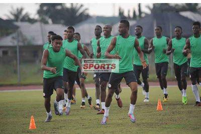 moses-iwobi-training-completesportsnigeria.com