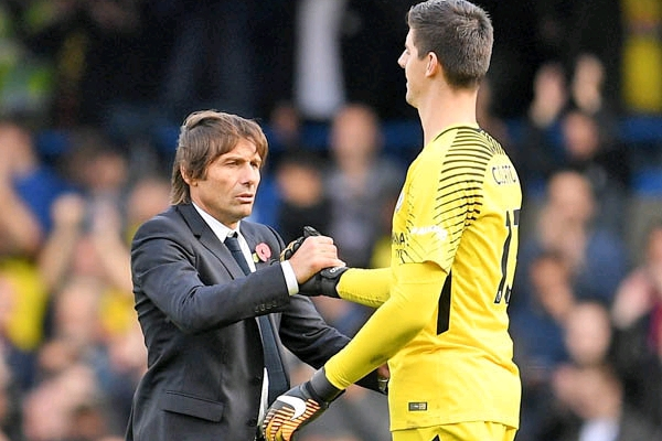 Courtois: Chelsea Players Don't Want Conte To Suffer Mourinho Fate