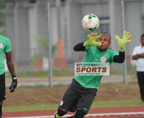 Super Eagles Goalkeeper Ezenwa Joins Enyimba From IfeanyiUba