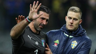 Casillas pays tribute to 'legend' Buffon