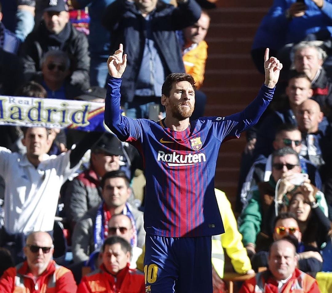 Messi Makes El Clasico History As Barca Outclass 10-Man Madrid