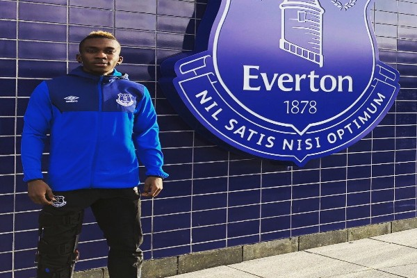 Injured Onyekuru Returns To Everton From Anderlecht Loan