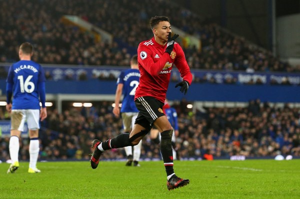 Manchester United 3/4 to beat Everton in Monday's Premier League battle