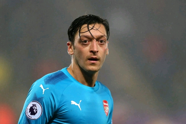 Ozil Signs New £350k Per Week Arsenal Deal