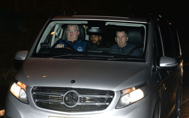 Walcott Pictured In Everton As £20m Transfer Nears Completion