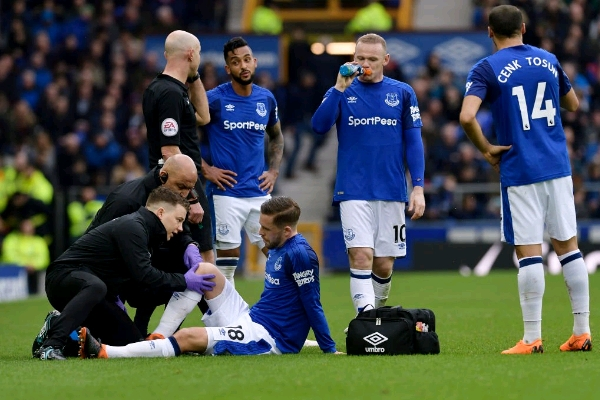 Iceland Star Sigurdsson Out For Eight Weeks, Faces World Cup Fitness Race