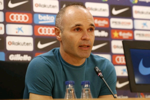 Barcelona midfielder Andres Iniesta to leave club at end of season