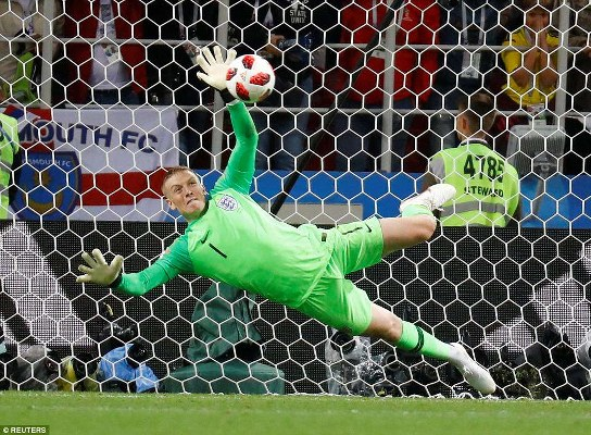 England Goalkeeper Pickford Hits Back At Courtois After Penalty Heroics