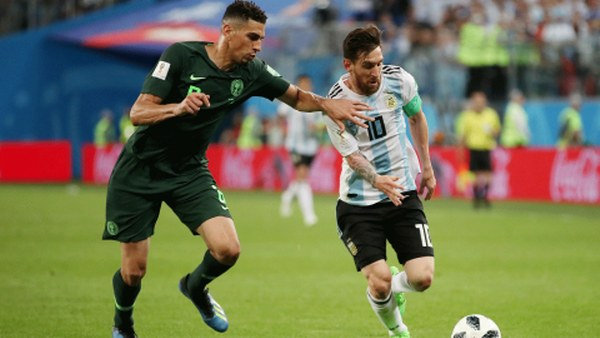 Tevez Urges Messi Not To Retire From International Football