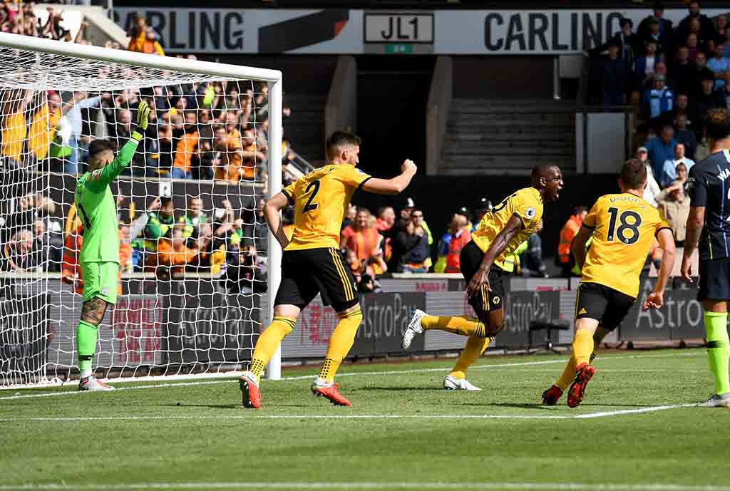 Champions Manchester City Hold Wolves At The Molineux