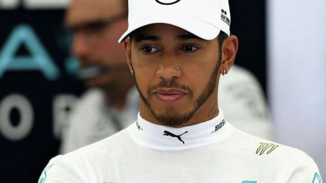 Hamilton Backs Ricciardo Move
