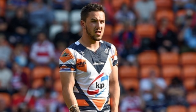 Giants Land Featherstone Man