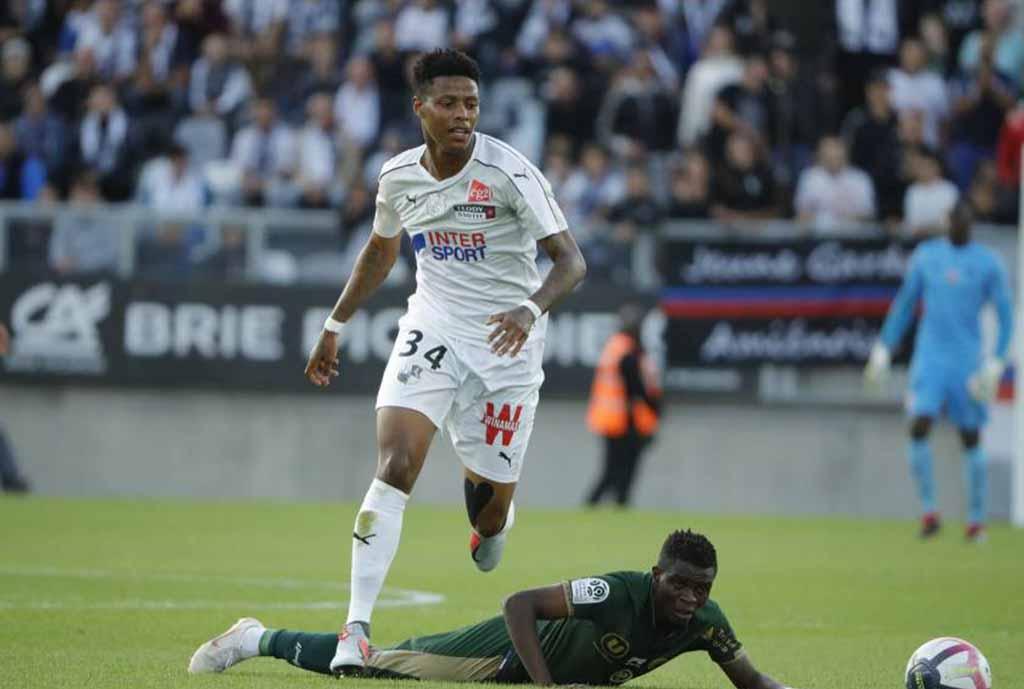Amiens Confirm Zungu Blow