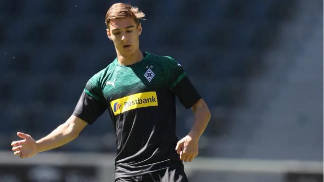 Gladbach Youngster Neuhaus Eyes Regular Role