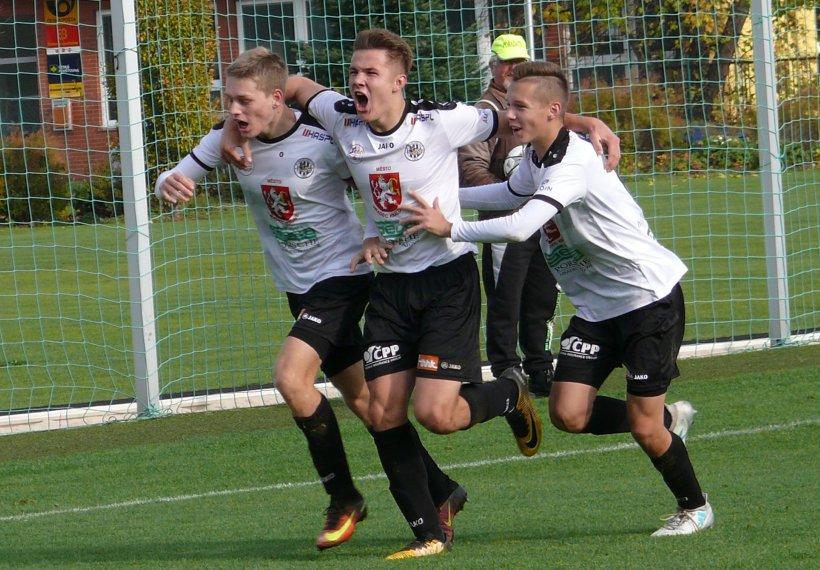 Saints Line Up Teen Czech Striker Raid