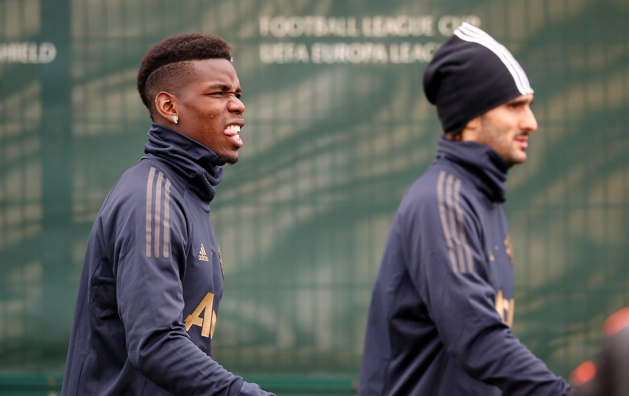 Pogba Hands United Injury Scare
