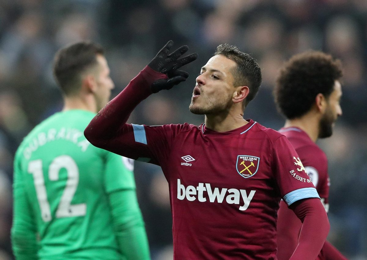 Hernandez Shines In Hammers Rout